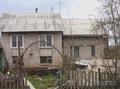 Садовский  2/3 части  кирпичного дома ,  2 этажа,  вход  от со